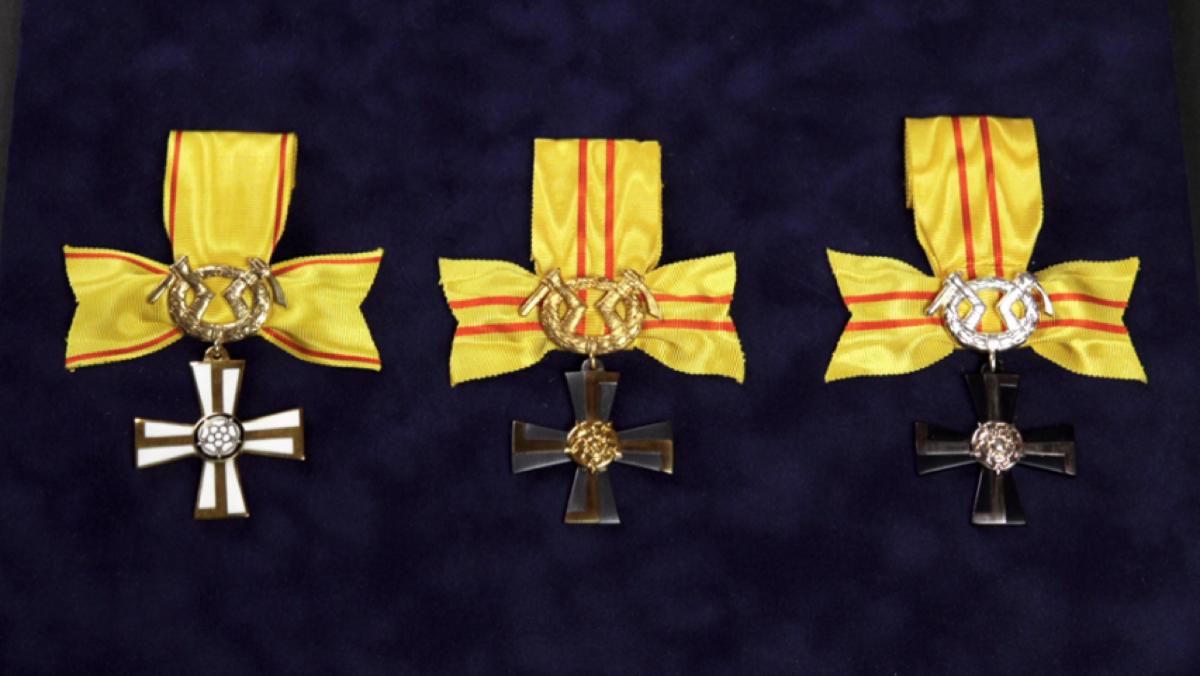 1960 VR:n kunniamerkkien rauhanaikainen jako keskeytettiin